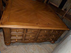 Pine Coffee Table for Sale in Kenbridge, VA