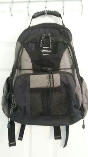 TARGUS BACKPAK LIKE NEW EXCELLENT CONDITION for Sale in Alexandria, VA