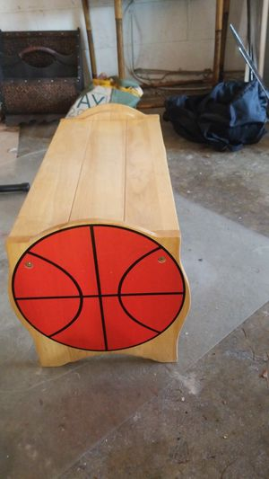Small Solid Oak Basketball Bench for Sale in Fort Washington, MD