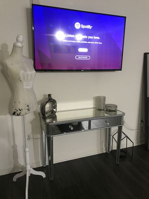 NEW MIRRORED GLAM CONSOLE TABLE WITH TWO DRAWERS for Sale in Washington, DC
