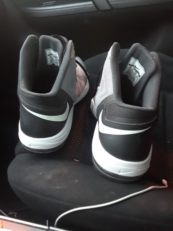 9e8b70fd9b0 Nike AirMax Basketball Shoes (Sports   Outdoors) in Tucson