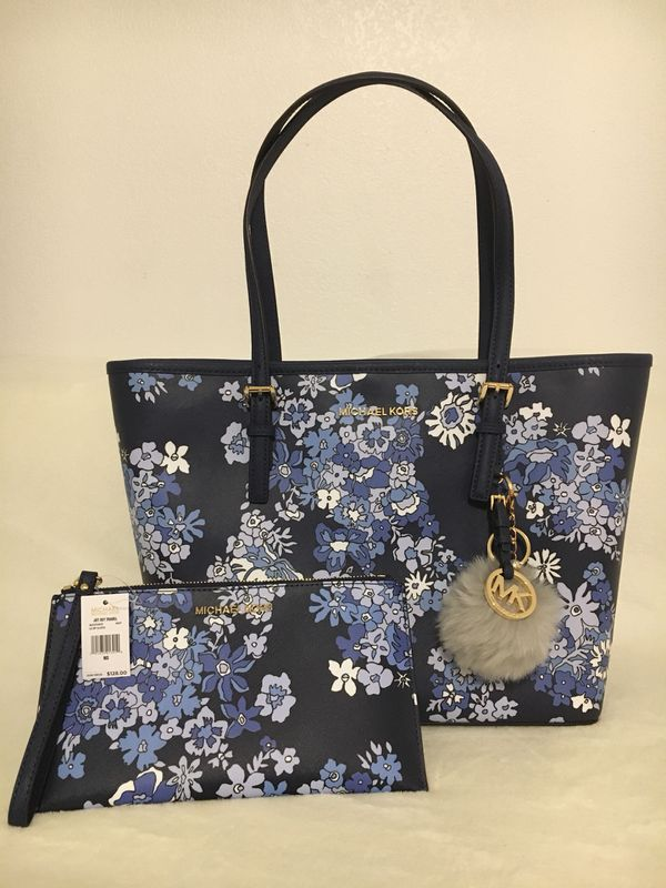 195d8a3783d9 New Michael Kors Floral Tote w  Clutch Set for Sale in Anchorage