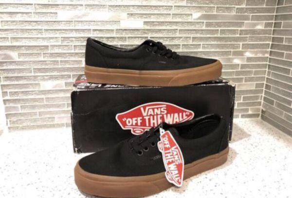 485dbb7c12785d New in box Vans men s size 8 (Clothing   Shoes) in Las Vegas