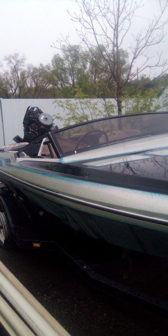 Photo Ski Boat And Trailer. Boat Needs Work.