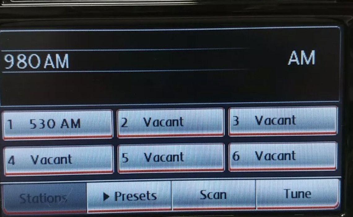 2010 - 2015 Volkswagen OE Touch Screen Radio 6 Disc Changer XM RCD-510 - $150