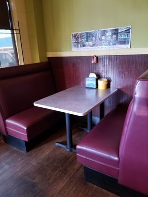 Excellent New And Used Restaurant Tables For Sale In Gig Harbor Wa Complete Home Design Collection Barbaintelli Responsecom