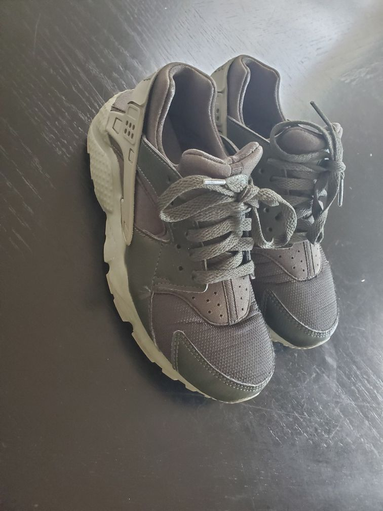 Nike Huarache Package