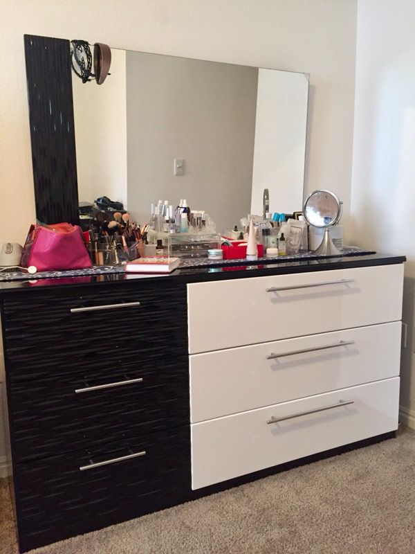 Very Quality Dresser Mirror By Ashley Furniture Salt Lake