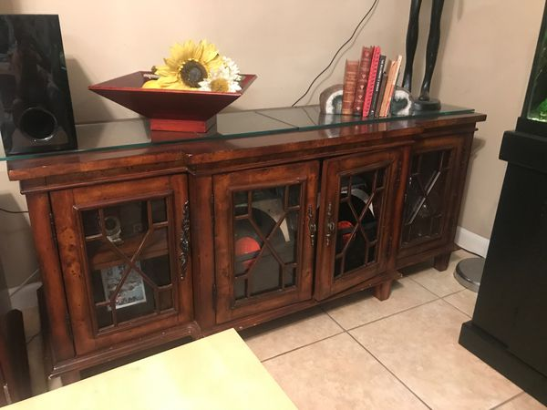 Chester Burl Wood Glass Doors Sideboard Buffet It Measures 62 X 20 X 26 5 Tall Elegant