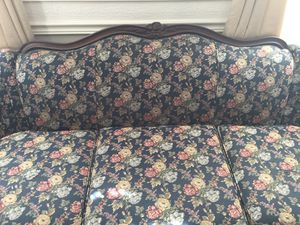 Vintage couch for Sale in Woodbridge, VA