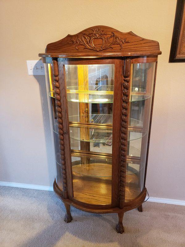 Antique curio cabinet for Sale in San Antonio, TX - OfferUp
