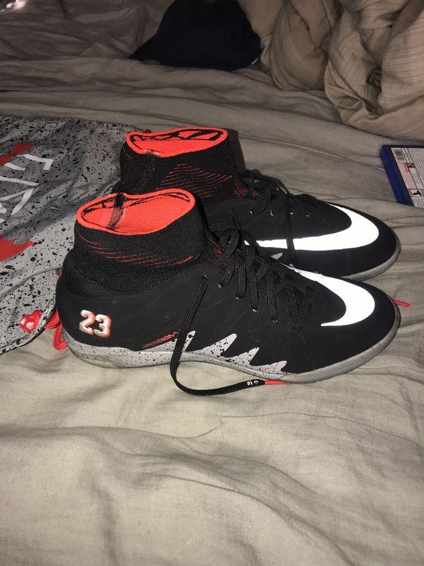 1daaed31742 Neymar Jordan Indoor soccer shoes for Sale in South Gate