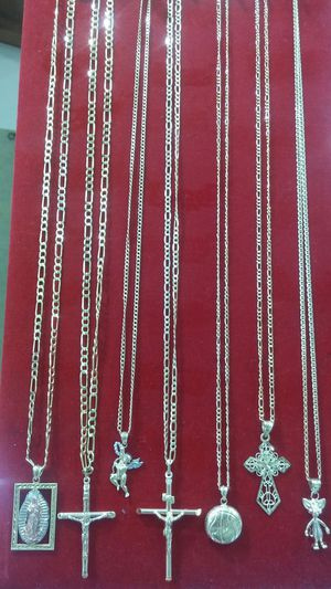 """Gold Chains 18"""" - 24"""" for Sale in Orlando, FL"""