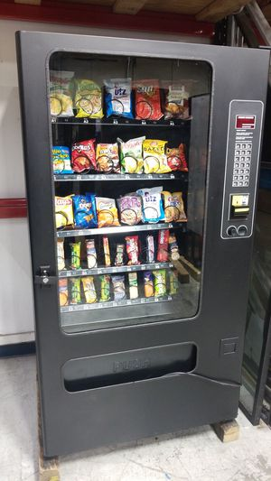 Fully refurbished snack vending machine for Sale in Gaithersburg, MD