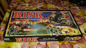 Risk The World Conquest Game contains 360 miniatures 1993 collection vintage all compleate for Sale in Washington, DC