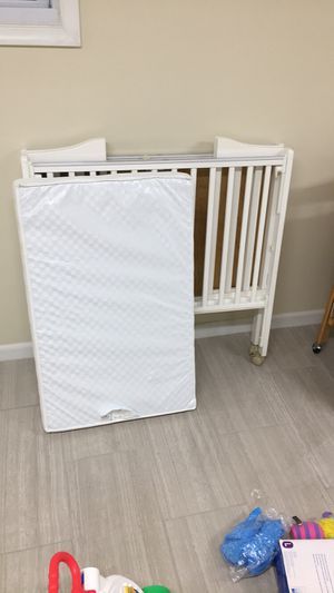 Baby crib for Sale in Bowie, MD