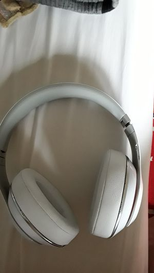 Brand new beats 2.0 wireless very willing to trade for good stuff for Sale in Washington, DC