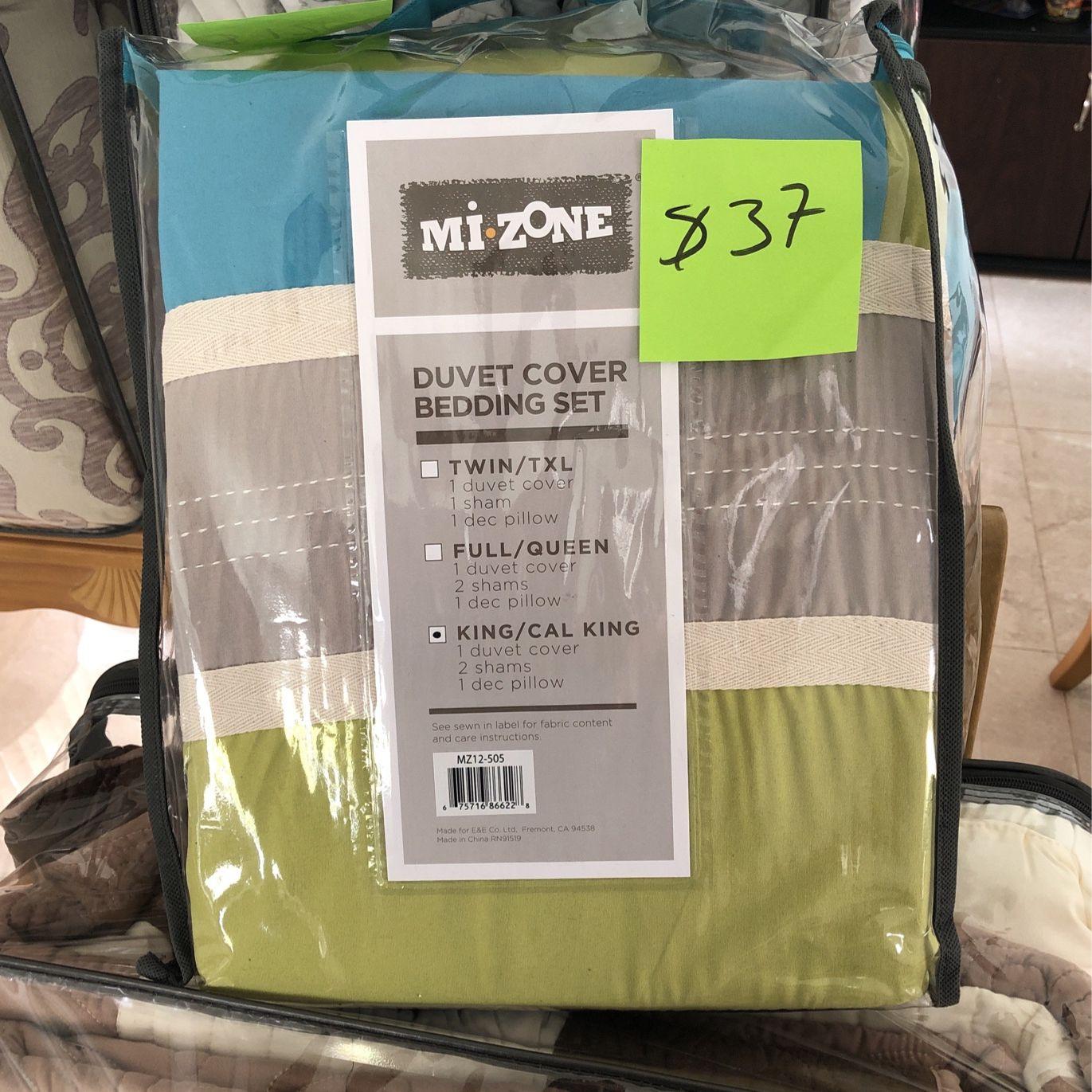 MI ZONE Duvet Modern Casual Vibrant Colorblock Design All Season Comforter Cover Teen Bedding, Boys Bedroom Décor, King/Cal King, Navy 4 Piece