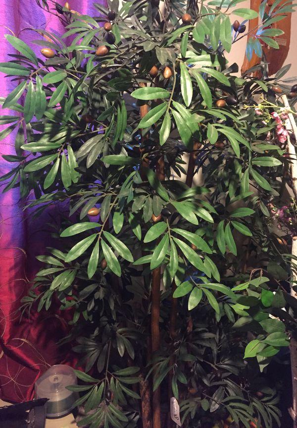 Artificial olive tree 7 foot (Home & Garden) in Turlock, CA - OfferUp