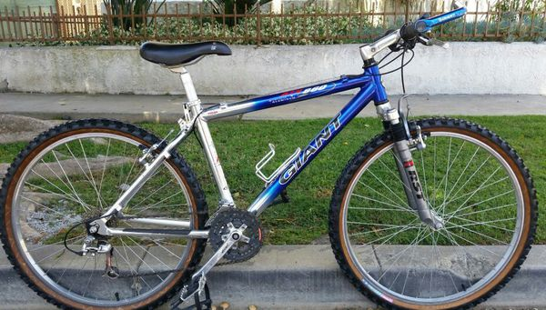 4e5bbf99f6f Giant ATX 860 lightweight aluminum bike bicycle for Sale in Los Angeles, CA  - OfferUp