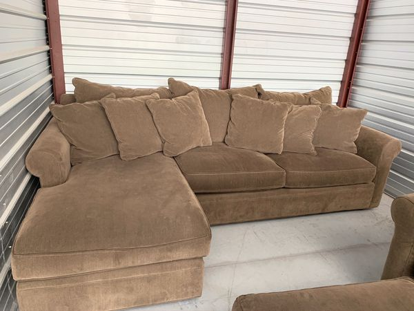 Pristine Condition Broyhill Sectional W