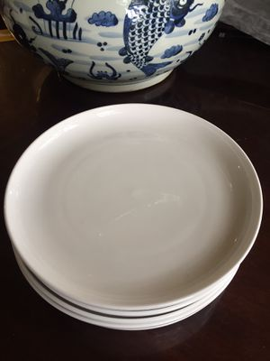 Lenox dinner plates. Set of 6. Excellent condition. for Sale in Austin, TX