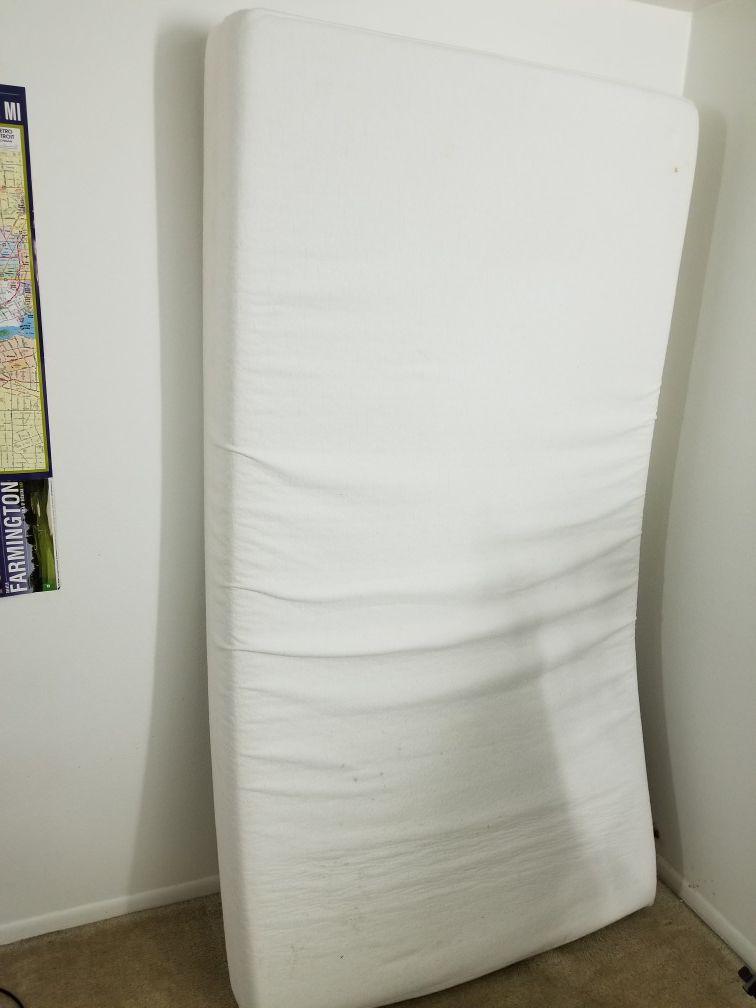 Zinus 8 inch memory foam mattress