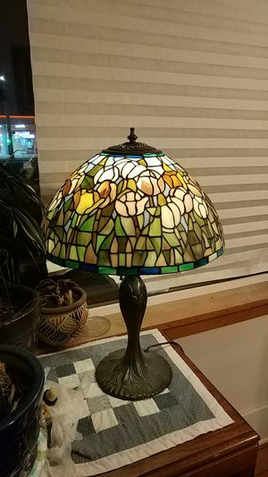 MEYDE TAFFINY TABLE LAMP for Sale in Tacoma, WA
