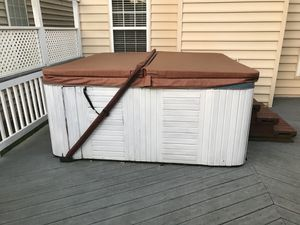 Hot tub for Sale in Chantilly, VA
