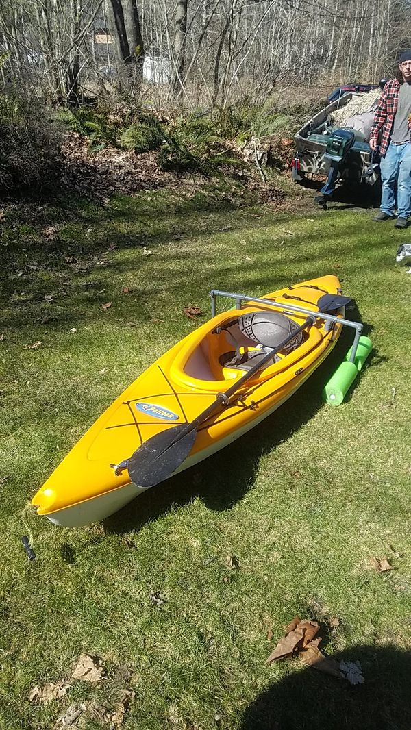 Pelican 10 ft kayak kayak for Sale in Olympia, WA - OfferUp