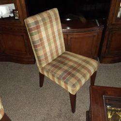 4 Dinning Chairs Thumbnail