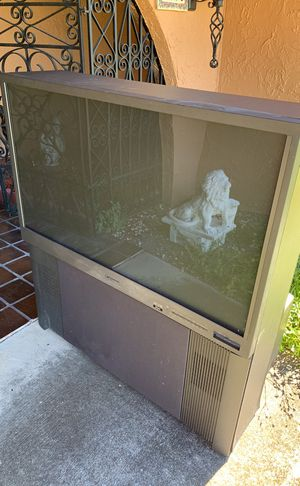 Free Mistsubishi TV! Needs to be fixed for Sale in Kissimmee, FL