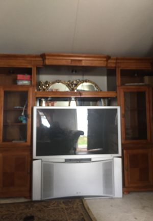 Entertainment center an tv package deal good condition for Sale in Manassas, VA