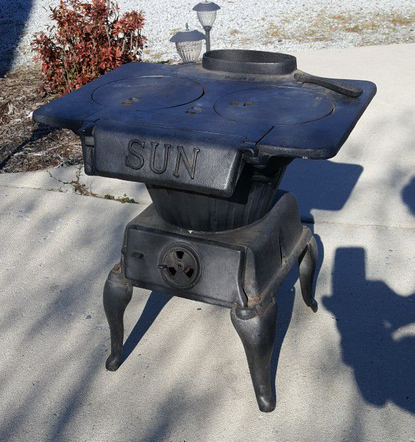 Sun Cast Iron Laundry Stove for Sale in High Point, NC - OfferUp