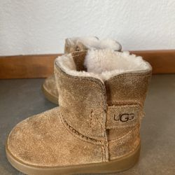 Keelan Baby Ugg Boots USA 4/5 Thumbnail