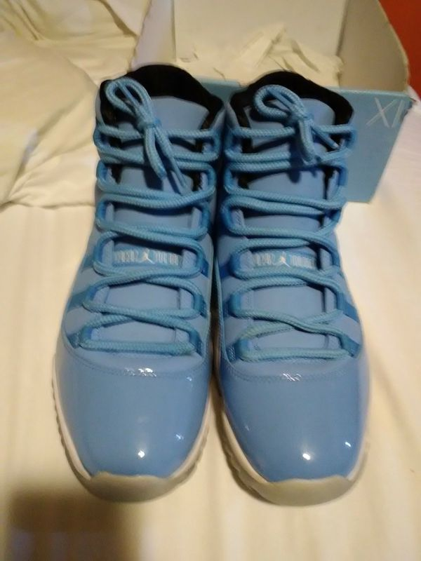 low priced 27290 6f9bb ... Pantone 11s for Sale in Akron, OH - OfferUp ...