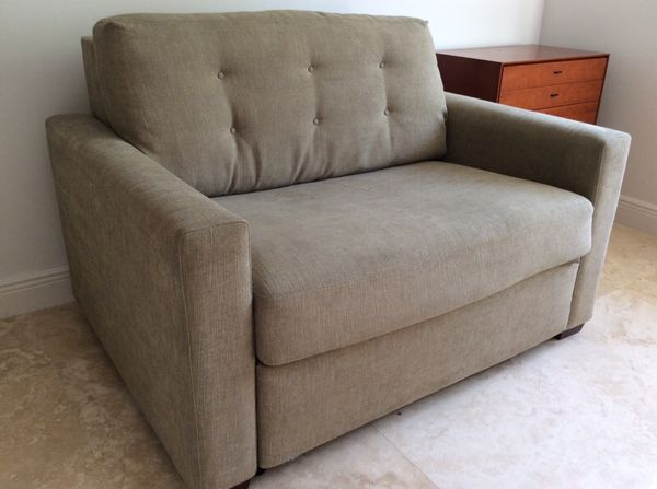 save off a0d9e e888e Crate & Barrel Allerton Twin Sleeper Sofa- like new! for Sale in North  Miami, FL - OfferUp