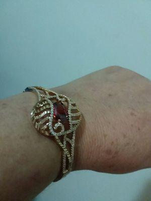 pulsera para dama oro brasileño for Sale in Manassas, VA