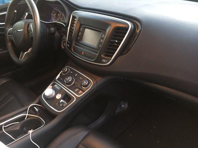 Perfect Uber car 2015 Chrysler 200 C