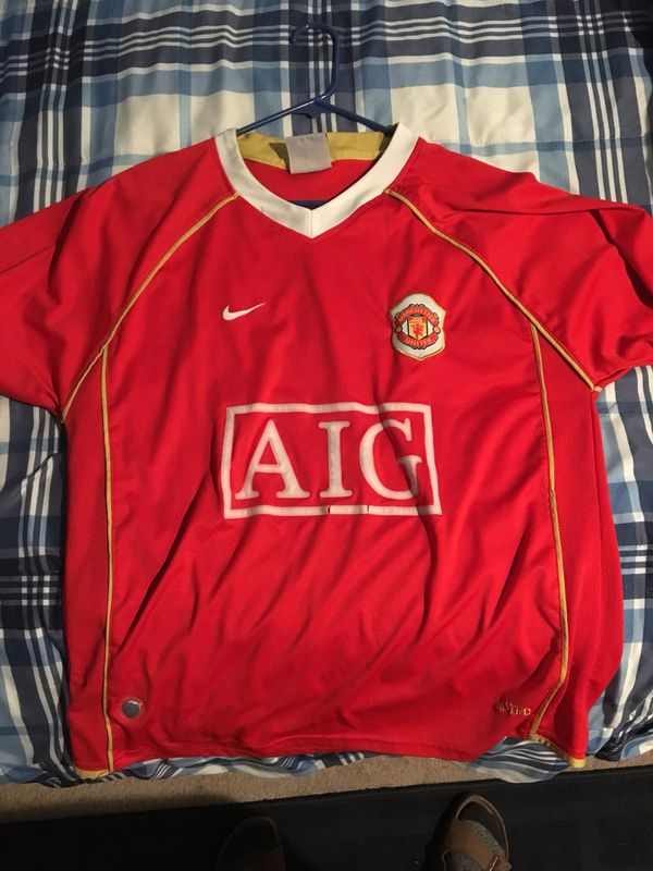 more photos 5380b 878df Cristiano Ronaldo Manchester United Jersey (Size Large) for Sale in Gig  Harbor, WA - OfferUp
