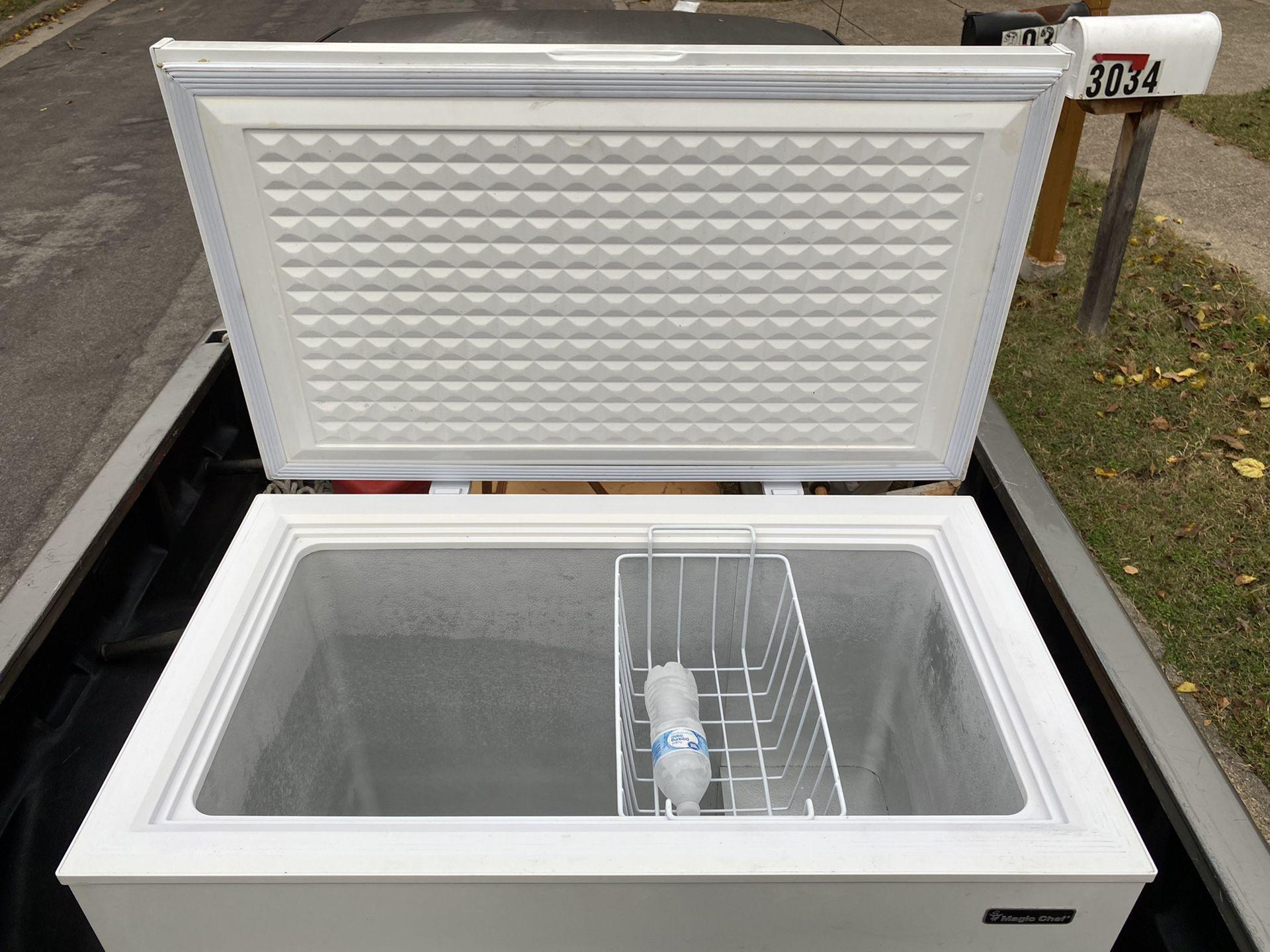 Freezer 🥶🥶7.2 cubic ft