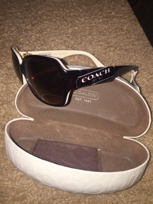 Coach sunglasses for Sale in Kissimmee, FL