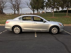 2009 HONDA ACCORD LX, 4 Cylinders. Runs and drives great! for Sale in Potomac Falls, VA