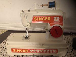 Vintage Children's Singer Sewing Machine for Sale in Chantilly, VA