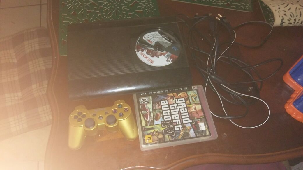 Ps3 good condition ganes downloaded on it. Over 200 movies downloaded 1control