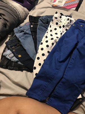 8 pairs of Toddler jeans size 2T for Sale in Fort Washington, MD