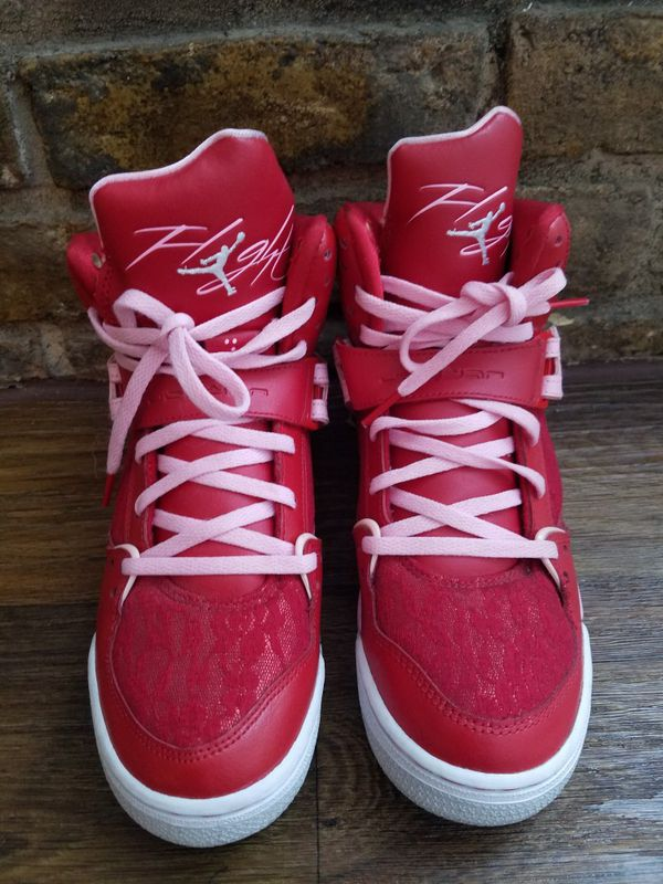 best sneakers 4635a fe0fa Womens Jordans Valentines Edition 7.5 for Sale in Houston, TX - OfferUp