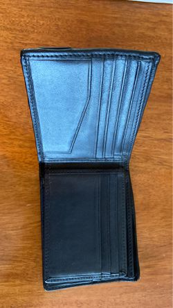 Tumi wallet bi fold with space for 14 cards and ID Thumbnail