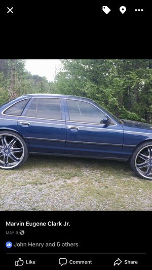 1996 crown Vick with 26s motor have 88k miles for Sale in Randolph, VA