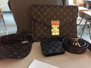 Louis Vuitton's 👌👌 the bag ,the belt,the hat,and the wallet for Sale in Silver Spring, MD
